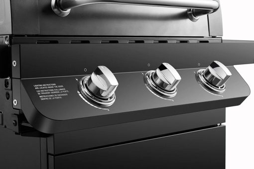 Control knobs on the Dyna-Glo Premier 3 Burner Natural Gas Grill - DGP397CNN-D