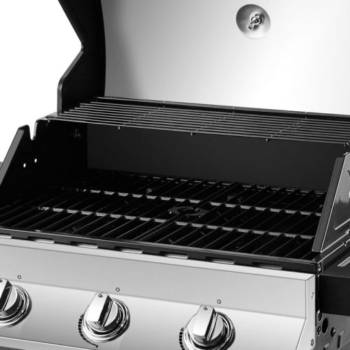 Cooking area on the Dyna-Glo Premier 3 Burner Propane Gas Grill - Stainless DGP397SNP-D