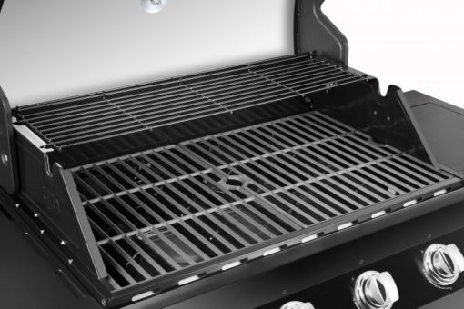 Cooking area on the Dyna Glo Premier 4 Burner Propane Gas Grill - DGP483CSP-D