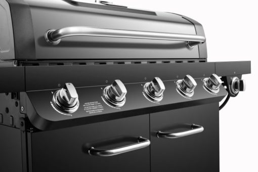 Ignition and control knobs on the Five 12,000BTU burners on the Premier 5 Burner Propane Gas Grill - DGP552CSP-D
